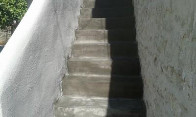 Σκάλα με πατητή τσιμεντοκονία